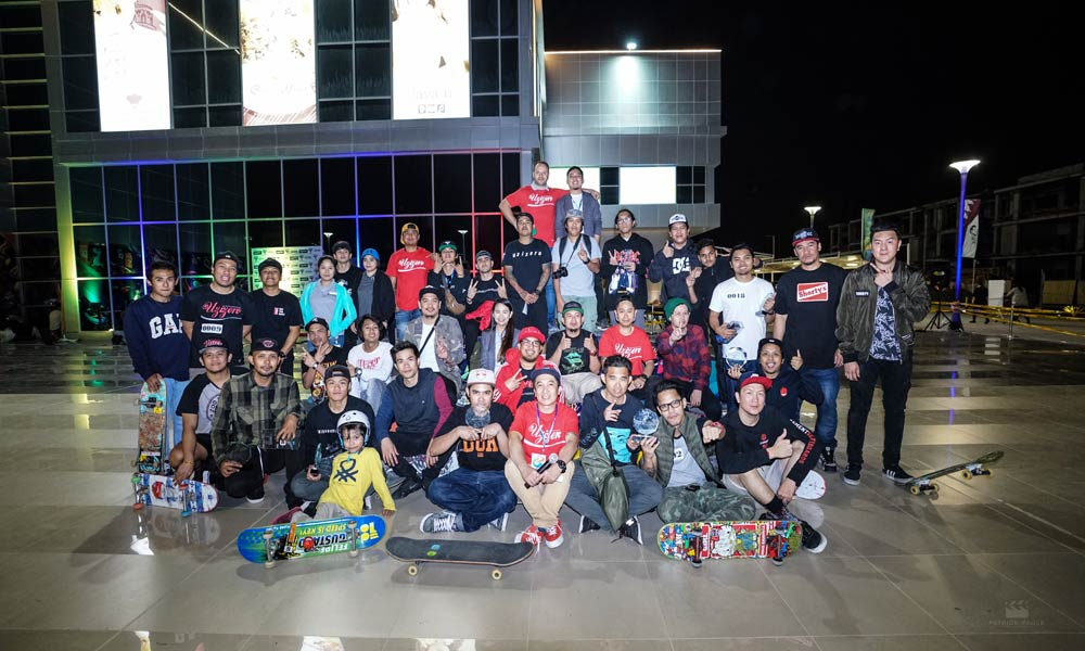 different-skateboarders-groups-in-doha